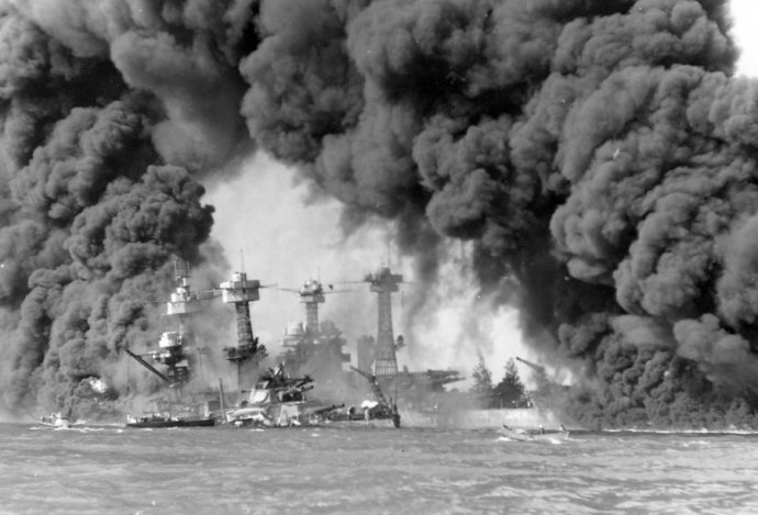 battleships-west-virginia-and-tennessee-burning
