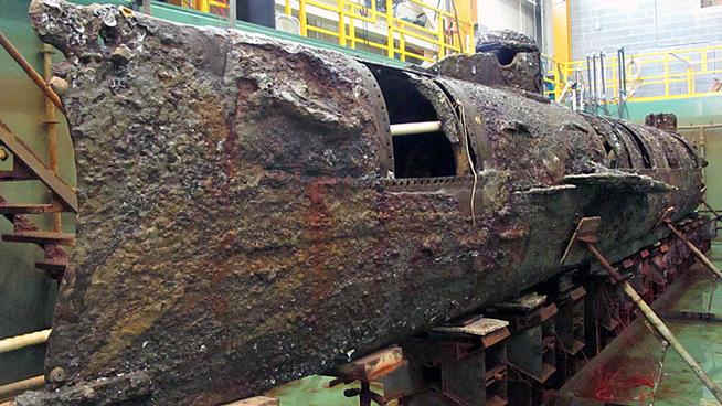 hl-hunley-confederate-submarine