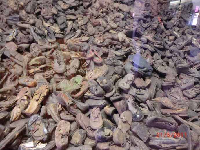 6-shoes-of-auschwitz-victims